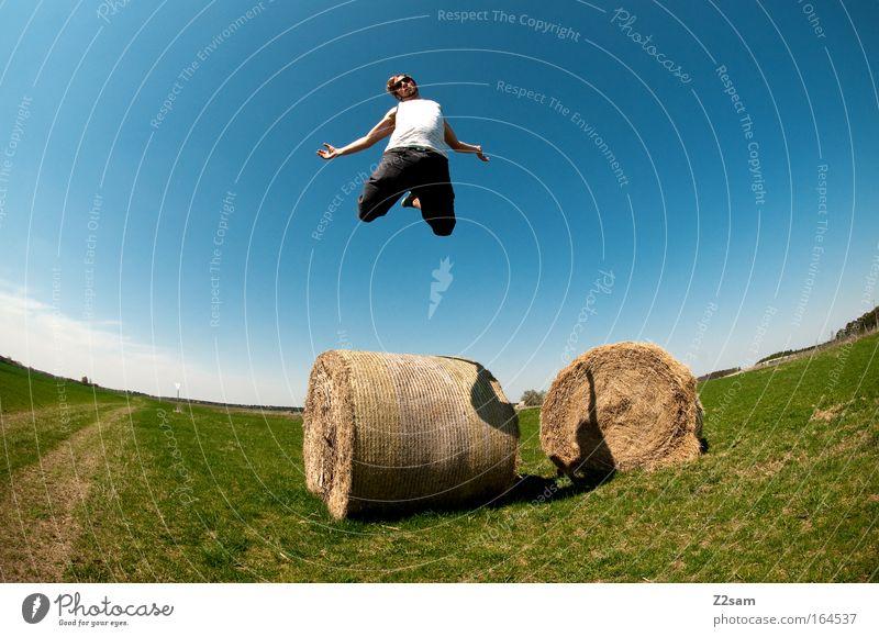 aufsteiger Mensch Jugendliche Sommer Freude Erwachsene Landschaft Freiheit springen blond Freizeit & Hobby fliegen maskulin ästhetisch Coolness 18-30 Jahre einzigartig