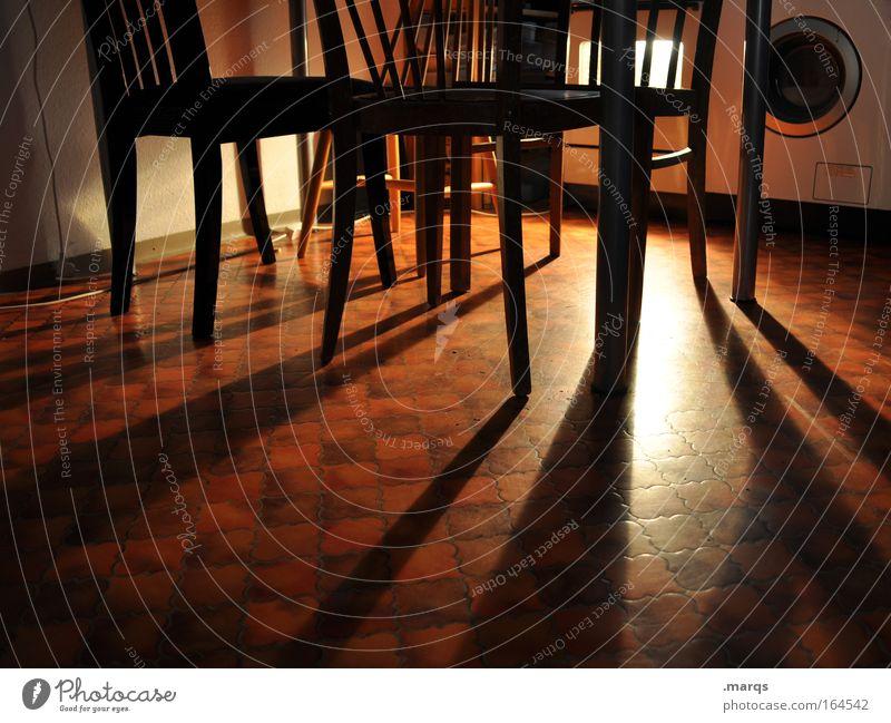 Mitternachtssnack dunkel Innenarchitektur Wohnung Energiewirtschaft Häusliches Leben authentisch Ernährung Tisch Küche Stuhl Gastronomie Appetit & Hunger