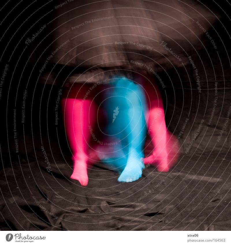 stilbruch 4 Frau Mensch blau Freude schwarz Erwachsene feminin Beine Fuß Feste & Feiern Tanzen rosa wild Geschwindigkeit Fröhlichkeit verrückt