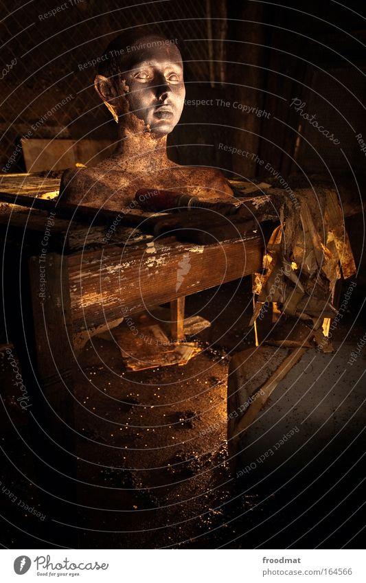 kopfgeburt Mensch alt dunkel Kopf Traurigkeit braun Kraft Kunst dreckig gold Tisch ästhetisch retro kaputt beobachten Vergänglichkeit