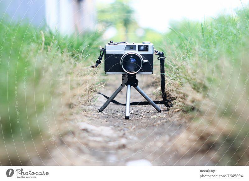 alt grün schwarz Stil Mode Metall Design Freizeit & Hobby Perspektive retro einfach Fotokamera Stahl analog altehrwürdig silber