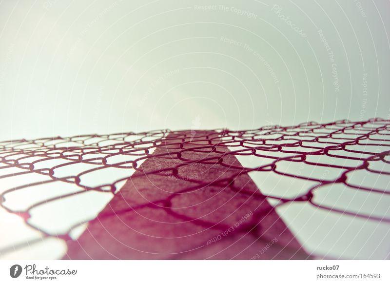 stairways to heaven Himmel Metall rosa Beton bedrohlich Netz Rost Barriere Frustration
