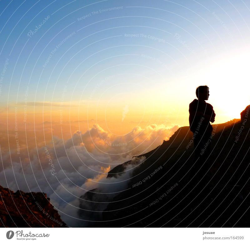 Jabal Maswar Himmel Natur blau Wolken ruhig Ferne gelb Landschaft Berge u. Gebirge oben Wärme Luft träumen wandern stehen Sonnenuntergang
