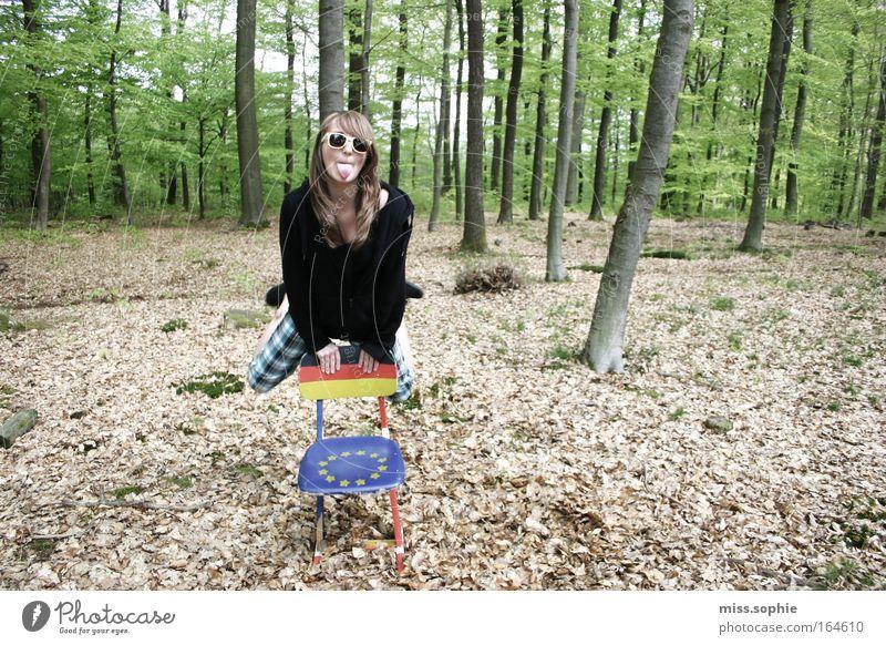 ääätsch Mensch Natur Jugendliche Baum Freude Blatt Wald feminin springen Bewegung Freiheit lachen Fröhlichkeit Lebensfreude natürlich