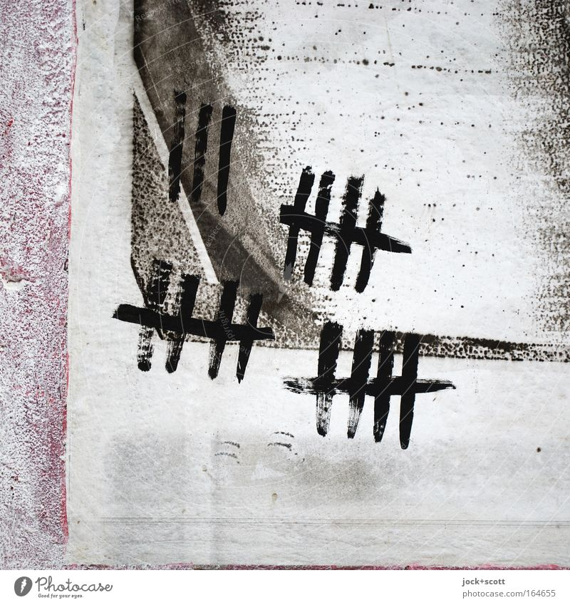 18 Zählstriche Subkultur Wand einfach gewissenhaft Ordnungsliebe planen zählen Papier Oberfläche Mengenzählwerk Mathematik System Straßenkunst Detailaufnahme