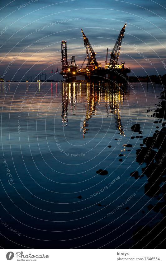 Nachtschicht Wasser Küste Business Stein Arbeit & Erwerbstätigkeit glänzend Wachstum leuchten ästhetisch Technik & Technologie Energie Industrie