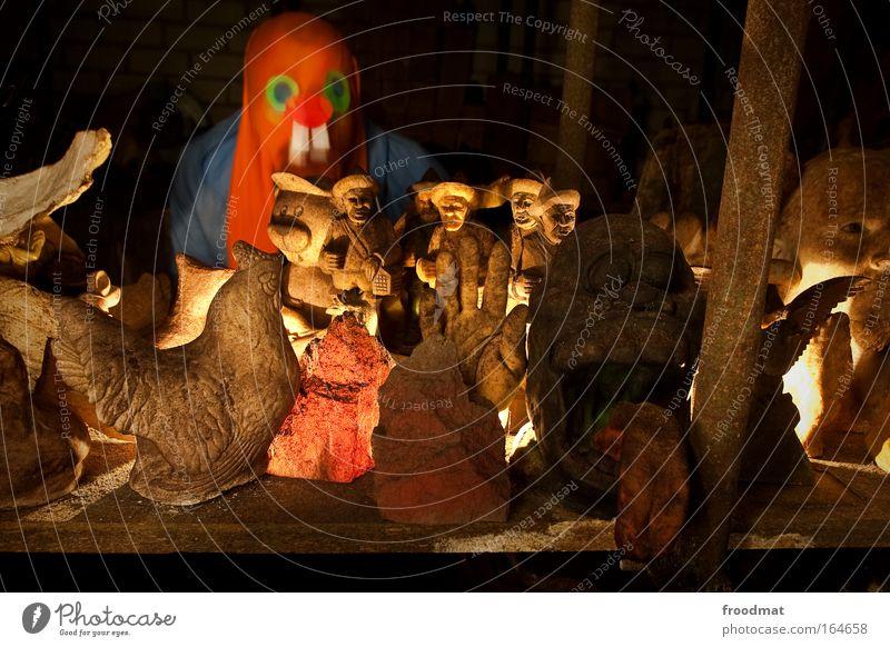 ghostbusters Farbfoto Innenaufnahme Nacht Kunstlicht Langzeitbelichtung Unschärfe Bewegungsunschärfe Schwache Tiefenschärfe Zentralperspektive Weitwinkel