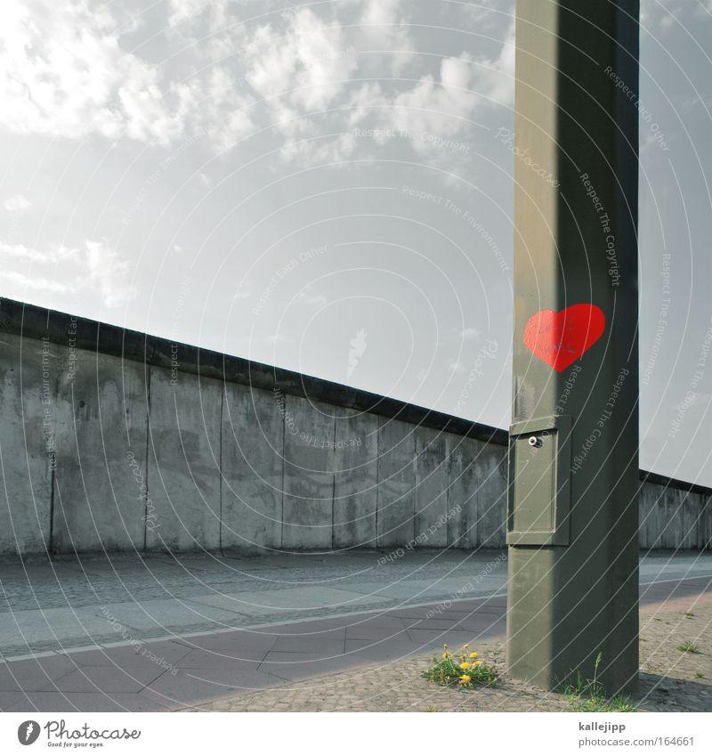 wiedervereinigung Tag Museum Hauptstadt Mauer Wand Sehenswürdigkeit Wahrzeichen Denkmal Zeichen Graffiti Herz Liebe rot Sympathie Toleranz Kontrolle