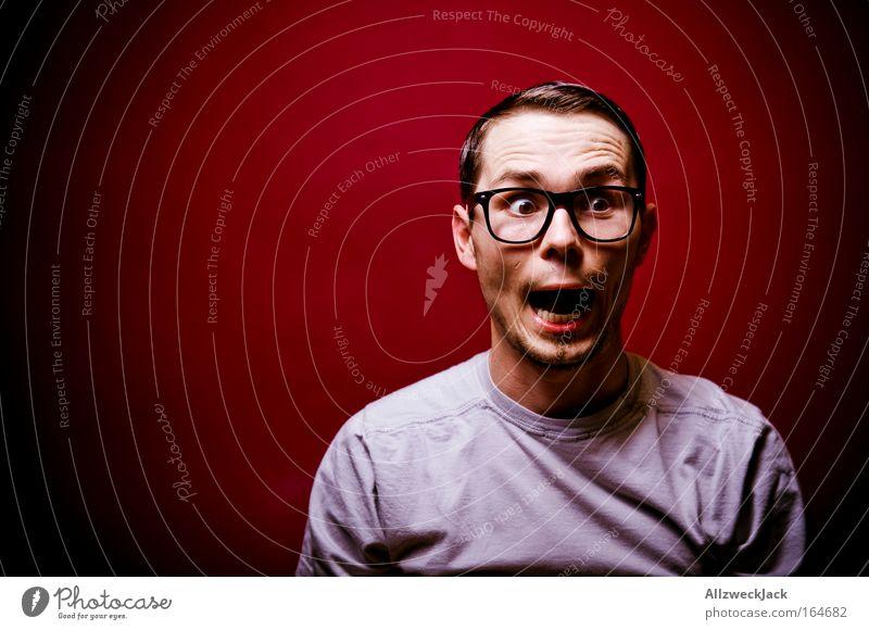 Milquetoast Mensch Jugendliche Freude Gesicht Porträt Angst Erwachsene maskulin Brille Nervosität Entsetzen Begeisterung Euphorie Scheitel Haare & Frisuren Junger Mann