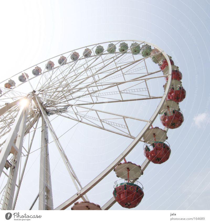 Auf'm Rummelplatz blau Freude Spielen Glück groß Lifestyle Fröhlichkeit Romantik Veranstaltung Jahrmarkt Riesenrad Schwindelgefühl gigantisch Fahrgeschäfte