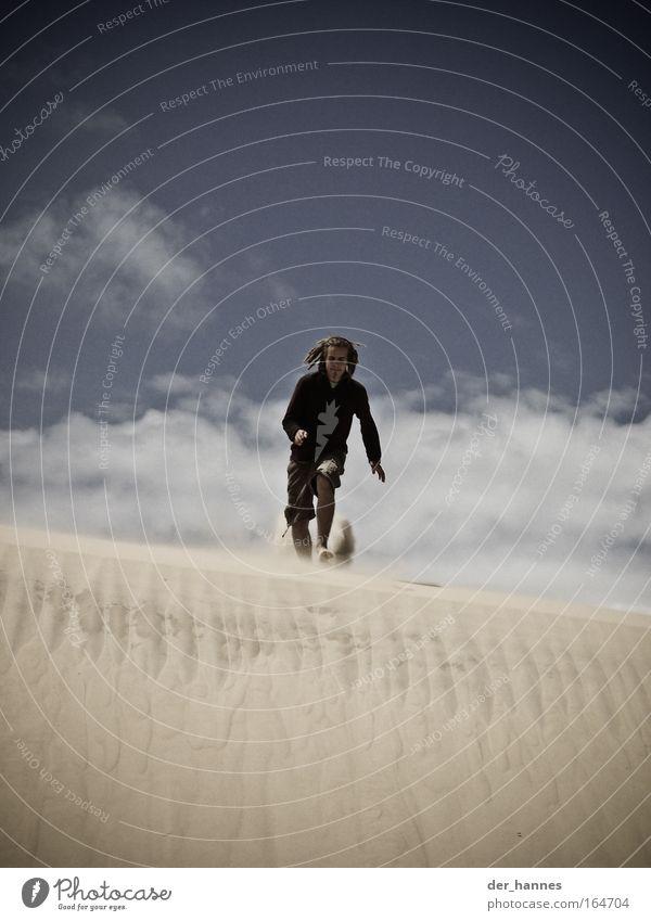 Run zum Abgrund Mensch Mann Jugendliche Ferien & Urlaub & Reisen Sommer Strand Erwachsene Freiheit Sand Haare & Frisuren springen Fuß elegant maskulin rennen