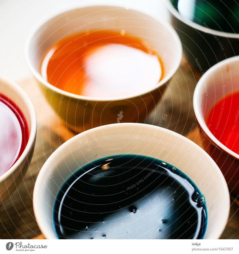 Rund | Farbtöpfe Freizeit & Hobby Schalen & Schüsseln Farbstoff Farbe Ostereierfarbe Flüssigkeit mehrfarbig Kreativität färben Farbfoto Innenaufnahme