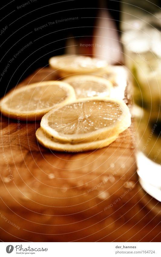 All u can drink! (solange die Zitronen reichen!) Farbfoto mehrfarbig Innenaufnahme Nahaufnahme Experiment Menschenleer Textfreiraum oben Textfreiraum unten