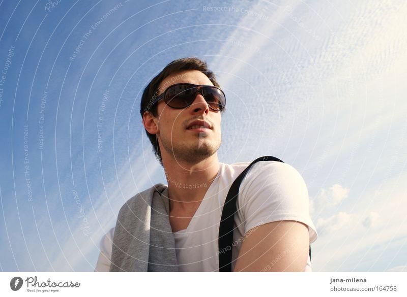 In Zukunft ... Jugendliche Himmel Sonne Sommer Freude Ferne Erholung Freiheit Glück Zufriedenheit Kraft Erwachsene maskulin Perspektive Hoffnung