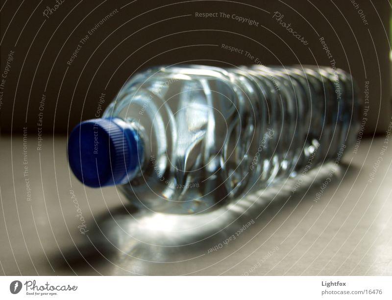 Wasserly Kandinsky Wasser Sauberkeit rein Klarheit Dinge Statue Flasche Erfrischung Durst Getränk Recycling Pfand Durstlöscher