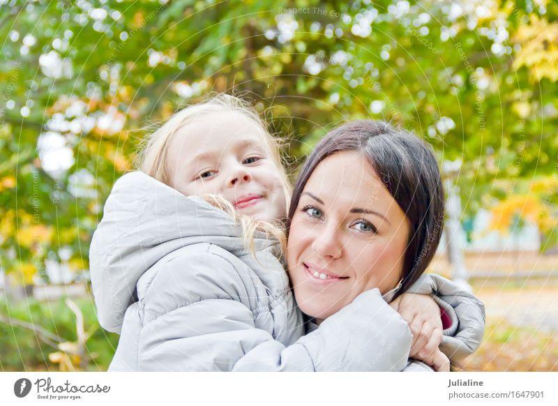 Foto von Mutter und Tochter Mensch Frau Kind Jugendliche Sommer weiß Mädchen 18-30 Jahre Erwachsene Herbst blond Kindheit 8-13 Jahre Europäer brünett