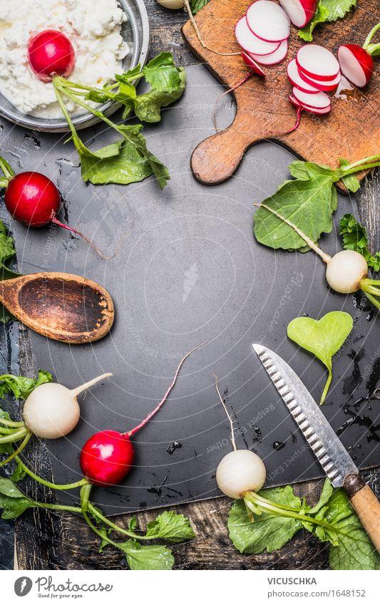 Radieschen mit Frischkäse Zubereitung Sommer Gesunde Ernährung Leben Essen Foodfotografie Stil Lifestyle Lebensmittel Design Häusliches Leben Tisch Küche Gemüse