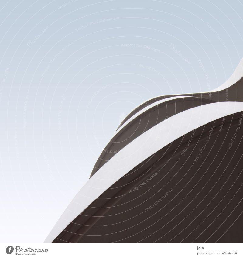 twisting Himmel blau weiß Architektur grau Linie elegant Beton modern ästhetisch rund Bauwerk Kurve Wellenlinie