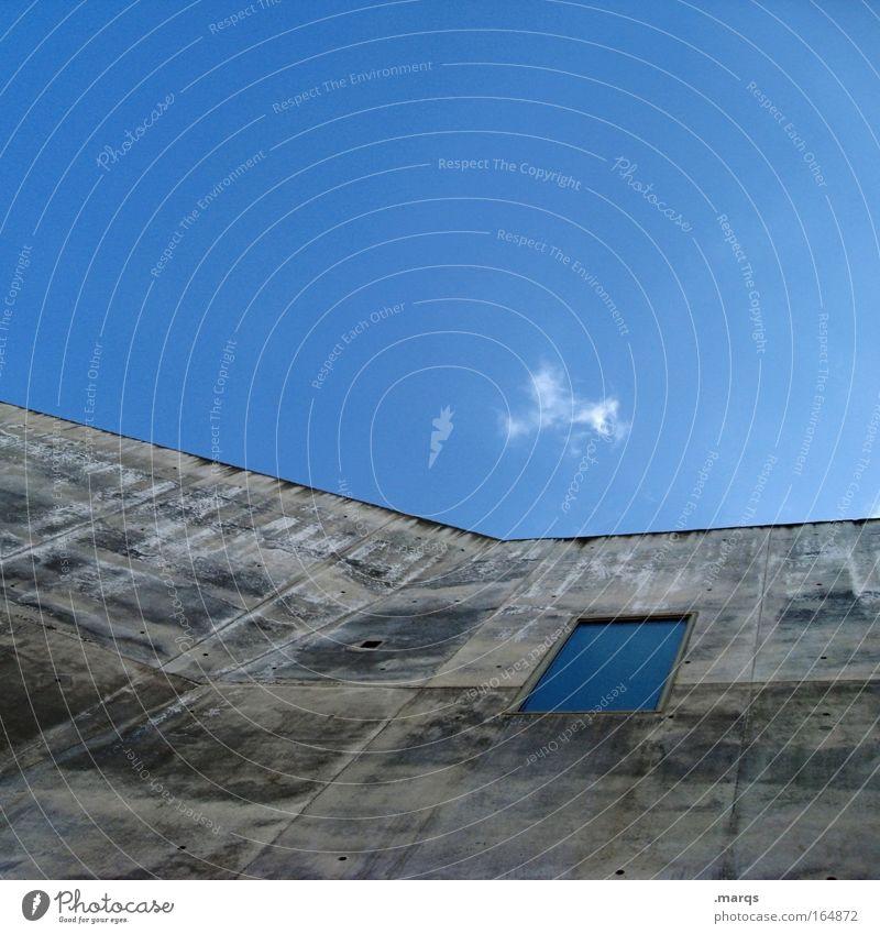 Kirche alt Himmel blau Haus Wolken Wand Fenster grau Mauer Gebäude Architektur Macht einzigartig außergewöhnlich