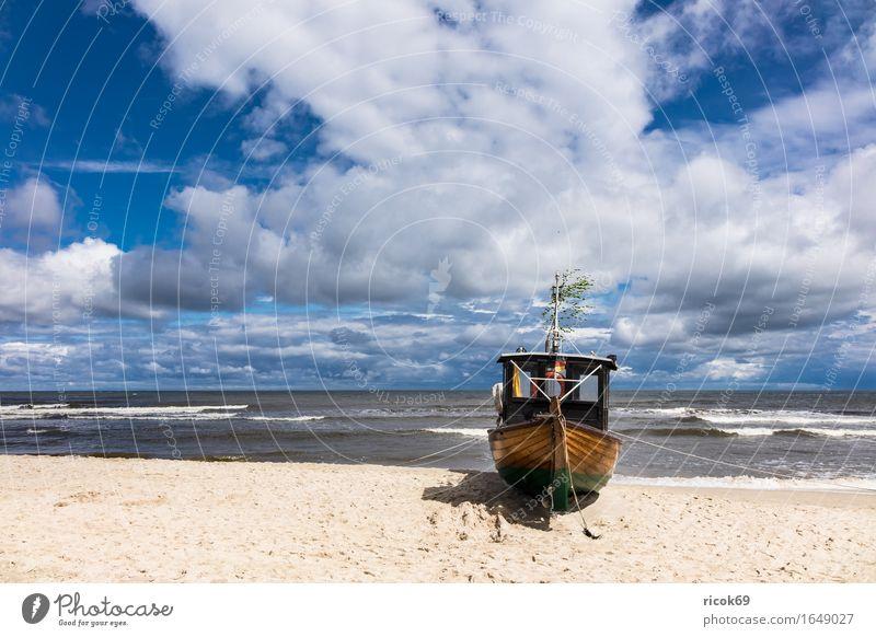 Fischerboot in Ahlbeck auf der Insel Usedom Natur Ferien & Urlaub & Reisen blau Wasser Meer Landschaft Wolken Strand Küste Sand Wasserfahrzeug Tourismus Idylle