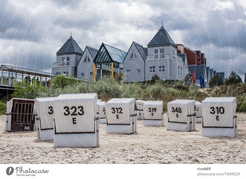 Gebäude in Heringsdorf auf der Insel Usedom Erholung Ferien & Urlaub & Reisen Tourismus Strand Meer Wolken Küste Ostsee Architektur Sehenswürdigkeit Wahrzeichen