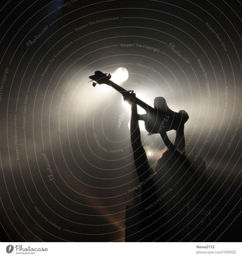 The God of the Bass... Freude Spielen Künstler Bühne Veranstaltung Show Musik Konzert Open Air Musiker Gitarre Stimmung Begeisterung Beginn Bewegung Erfolg