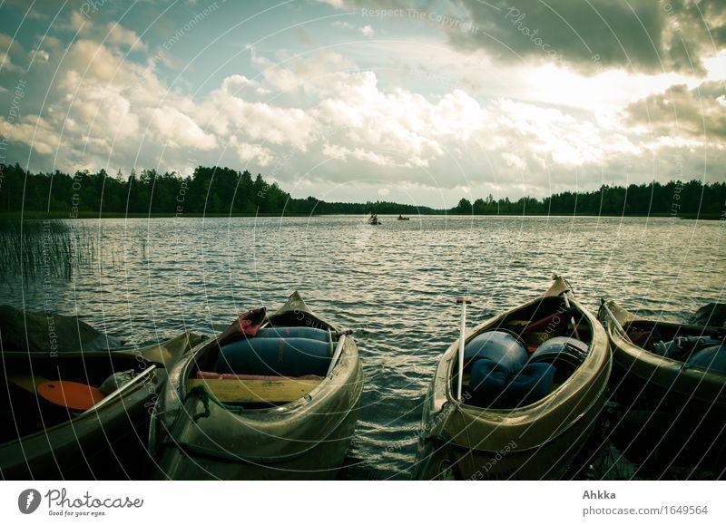 Startposition Ferien & Urlaub & Reisen Abenteuer Sommerurlaub Himmel Wolken See Wasserfahrzeug Kanu Kanutour frei Lebensfreude Vorfreude Außenaufnahme