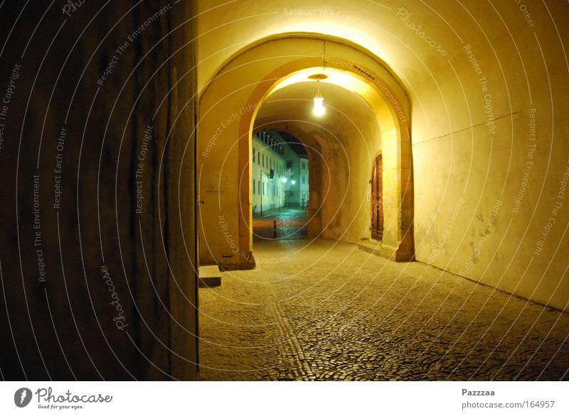Weimarer Nachtleben alt grün Stadt gelb Wand Stein Mauer Burg oder Schloss Denkmal Weimar Altstadt Thüringen