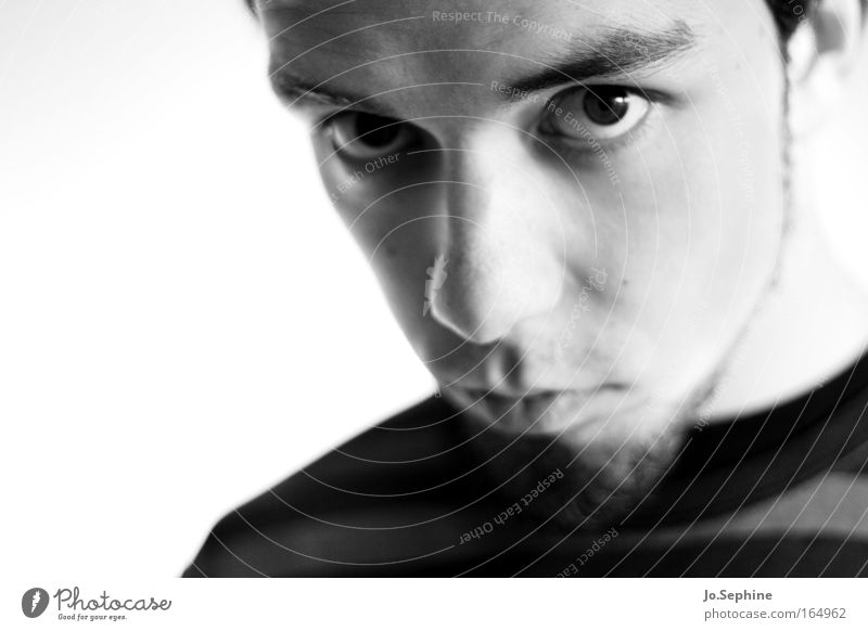 three thoughts Mensch Jugendliche Erwachsene Junger Mann Gefühle Kopf 18-30 Jahre maskulin beobachten Neugier Konzentration Erwartung Mann Zweifel Schwarzweißfoto hypnotisierend