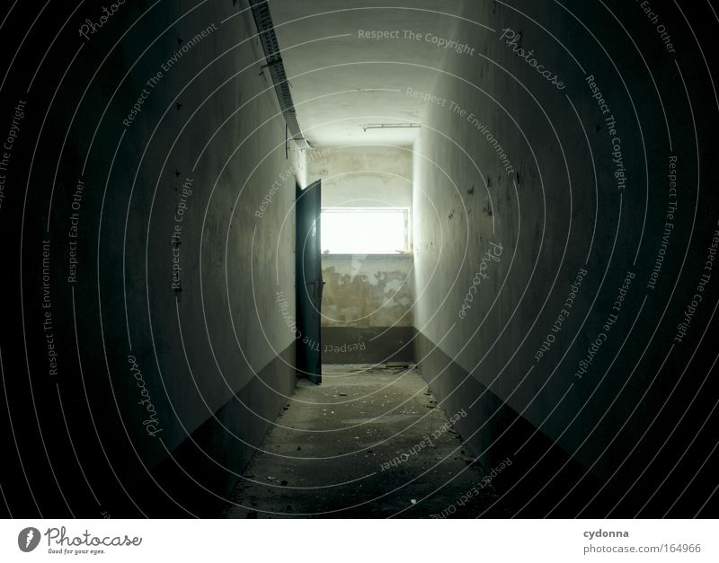 Licht am Ende des Tunnels Wand Gefühle Tod Fenster Traurigkeit Mauer Wege & Pfade Raum Kraft Angst Zeit Hoffnung Macht Zukunft Wandel & Veränderung
