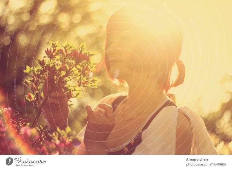 ::16-24:: Frau Natur Ferien & Urlaub & Reisen Jugendliche Sommer Junge Frau Blume Erholung ruhig Freude 18-30 Jahre Erwachsene Leben feminin Glück Garten