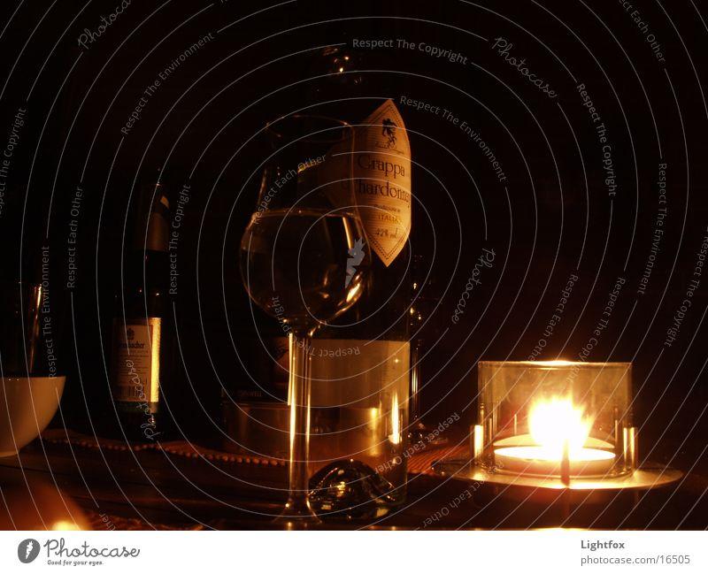Grappa-Leder Italien Stimmung Nacht Kerze Alkoholisiert Dinge Glas Flasche