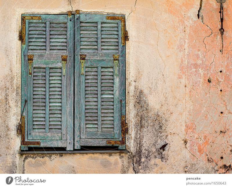 blaumachen | einfach mal liegenbleiben Altstadt Menschenleer Mauer Wand Fassade Fenster authentisch maritim retro Stadt Ferien & Urlaub & Reisen Idylle