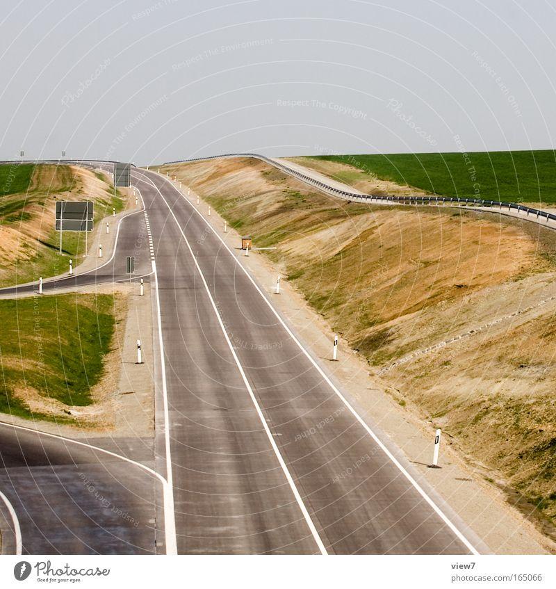 Straßenbau Ferne Straße Horizont Tourismus Schilder & Markierungen Verkehr frei groß Geschwindigkeit Sauberkeit Güterverkehr & Logistik Baustelle Unendlichkeit neu stark Verkehrswege