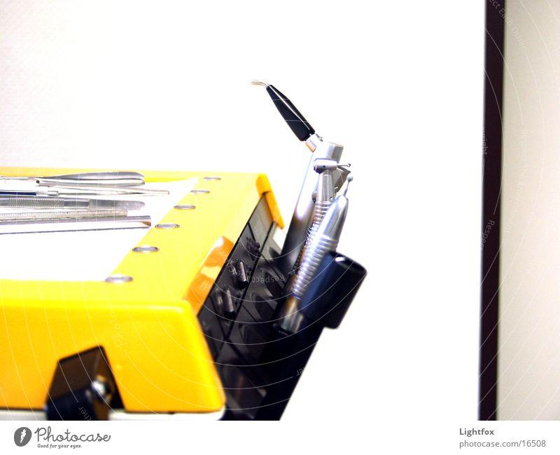 Au Backe gelb Gesundheit Dinge Arzt Schmerz Werkzeug Gerät Zahnarzt saugen Praxis bohren Apparatur Reform