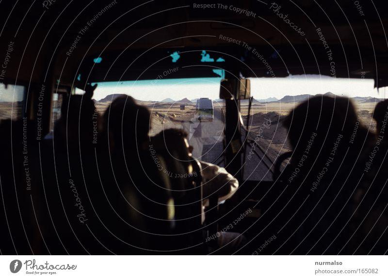 Libyan desert Road Mensch Ferien & Urlaub & Reisen Freude Ferne Straße Freiheit Sand Menschengruppe Erde Ausflug Abenteuer Tourismus authentisch Wüste Bus