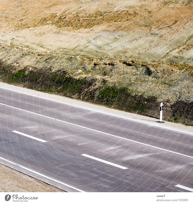 Straße zum Mond Ferne Straße Umwelt Wege & Pfade Erde Ordnung authentisch neu Wandel & Veränderung Güterverkehr & Logistik viele Frieden Spuren Autobahn bizarr Umweltschutz