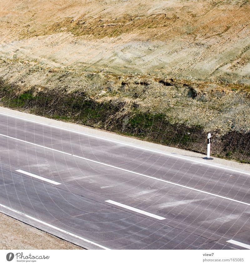 Straße zum Mond Ferne Umwelt Wege & Pfade Erde Ordnung authentisch neu Wandel & Veränderung Güterverkehr & Logistik viele Frieden Spuren Autobahn bizarr