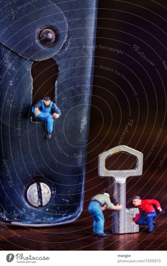 Miniwelten - Schlüssel Service Mensch Mann blau rot Erwachsene braun Arbeit & Erwerbstätigkeit maskulin Technik & Technologie Baustelle Sicherheit Team Beruf