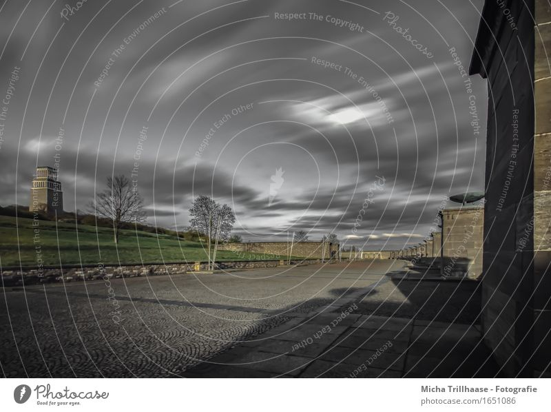 Glockenturm & Mahnmal Gedenkstätte KZ - Buchenwald Freiheit Bildung lernen Bildungsreise Architektur Himmel Wolken Turm Denkmal berühren dunkel frei Gefühle