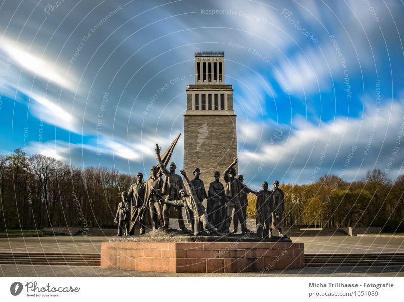 Mahnmal & Glockenturm Gedenkstätte KZ - Buchenwald Freiheit Bildung lernen Bildungsreise Skulptur Architektur Himmel Wolken Turm Bauwerk Denkmal Traurigkeit