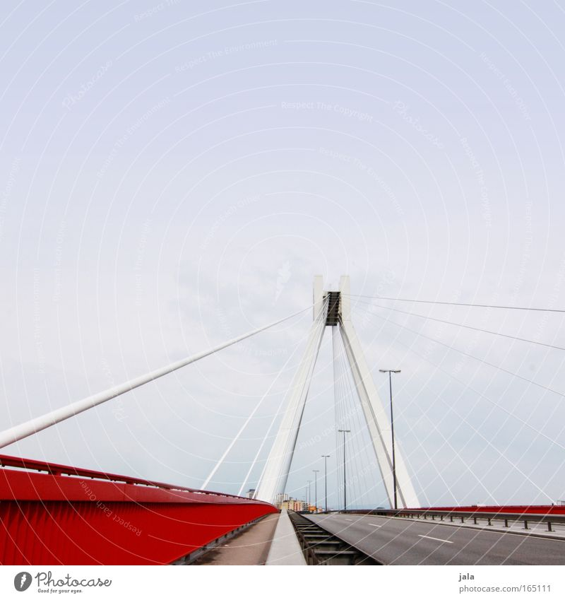 lu Farbfoto Außenaufnahme Menschenleer Textfreiraum oben Tag Zentralperspektive Himmel Brücke Bauwerk Gebäude Architektur Wahrzeichen Verkehr Straße