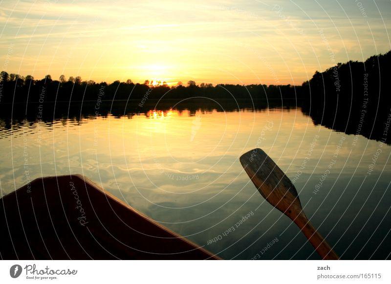 Abends auf´m See Farbfoto Außenaufnahme Menschenleer Textfreiraum oben Dämmerung Reflexion & Spiegelung Sonnenlicht Sonnenaufgang Sonnenuntergang Gegenlicht