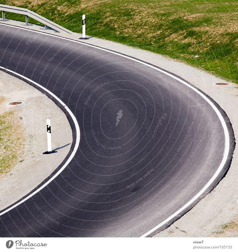 Kurve Straße Landschaft Schilder & Markierungen Verkehr neu Autobahn Richtung Verkehrswege eng Autofahren Bogen Teer Fahrbahn Rennsport Radius