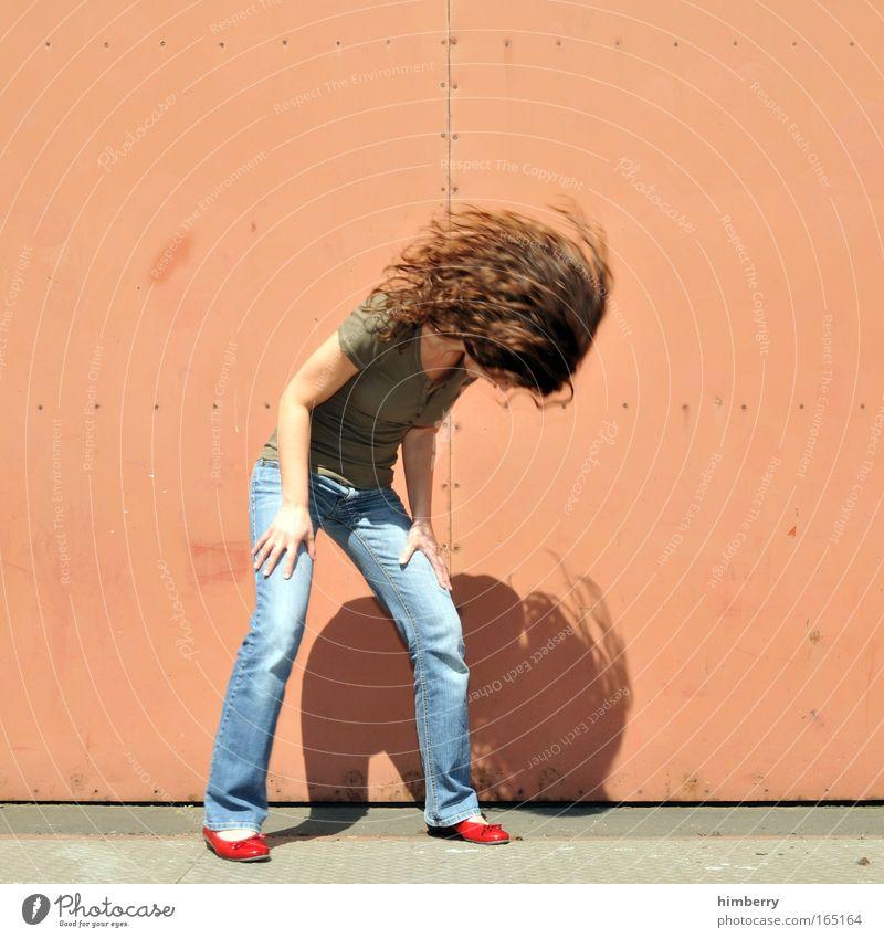 rock heart Jugendliche Erwachsene feminin Leben Haare & Frisuren Party Stil Junge Frau Schuhe Kindheit 18-30 Jahre Lifestyle Bekleidung Coolness Jeanshose Hose