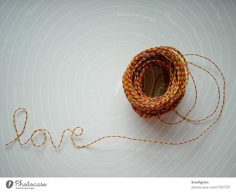 Love weiß rot Liebe gelb Gefühle Glück Zufriedenheit Schriftzeichen Lebensfreude Zeichen Lust Draht Verliebtheit gestreift Sympathie Euphorie