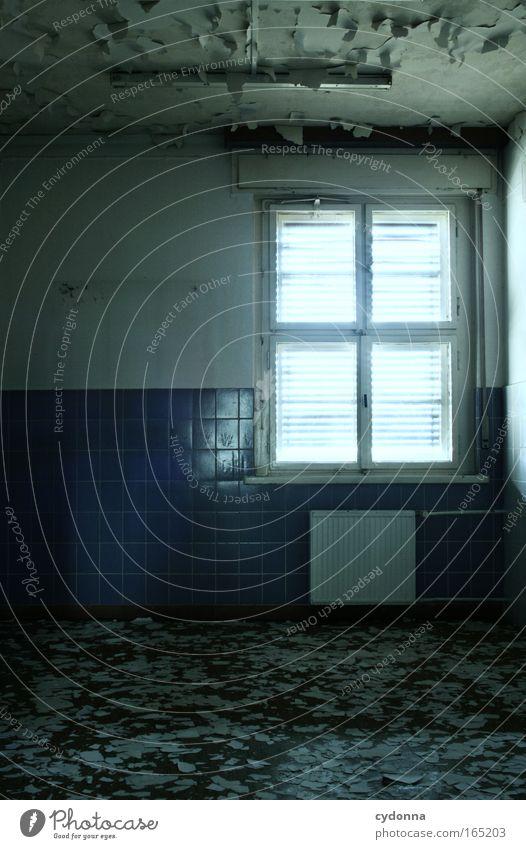 Da fällt einem die Decke auf den Kopf Ferne Tod Fenster Leben Wand Gefühle Mauer Traurigkeit träumen Zeit ästhetisch Sicherheit Hoffnung Wandel & Veränderung