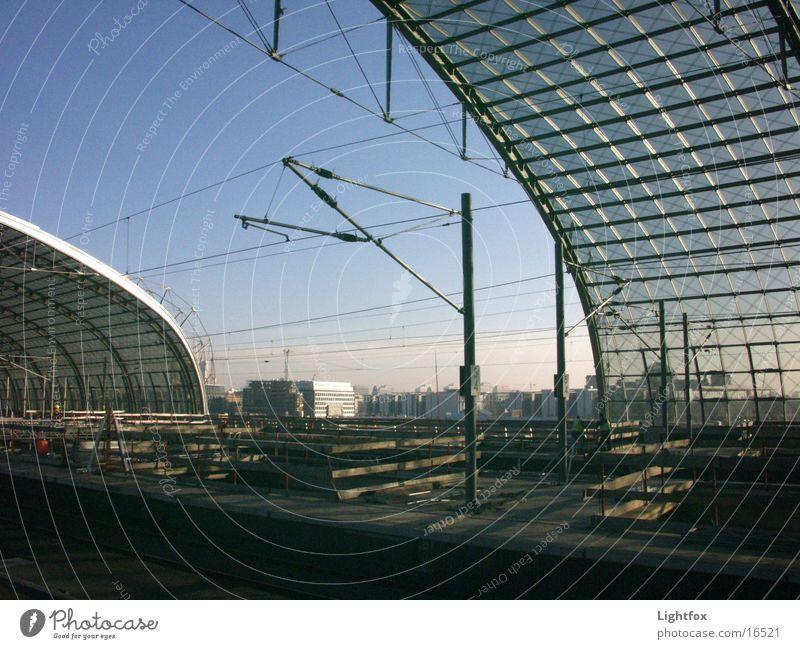 Ich versteh nur Bahnhof!! Eisenbahn Gleise Architektur Berlin Ferien & Urlaub & Reisen modern Deutscher Bundestag Glas