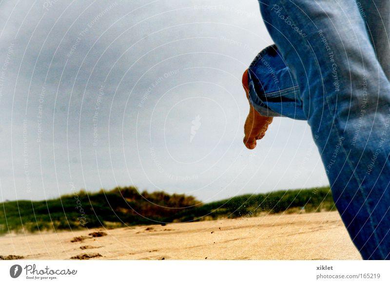Mann Natur blau weiß grün schön Strand gelb Küste Sand Beine Fuß braun Geschwindigkeit Junger Mann Fitness