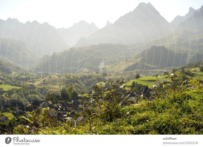 Tisch der Drei Könige II Natur grün Landschaft Haus Ferne Wald Berge u. Gebirge Umwelt Wiese Felsen Aussicht Schönes Wetter Gipfel Dorf Bergkette Pyrenäen